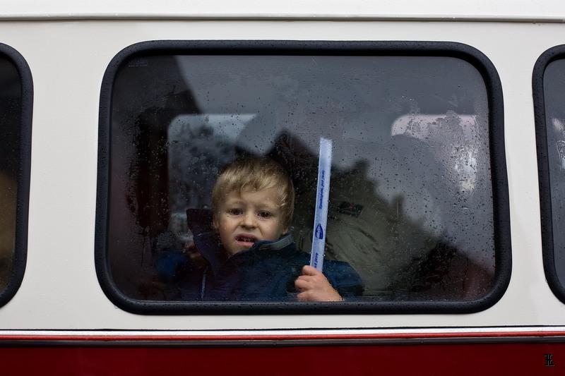 W czerwonym autobusie